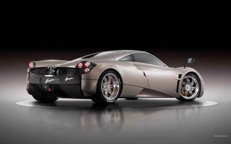 Pagani Huayra vue latérale arriere