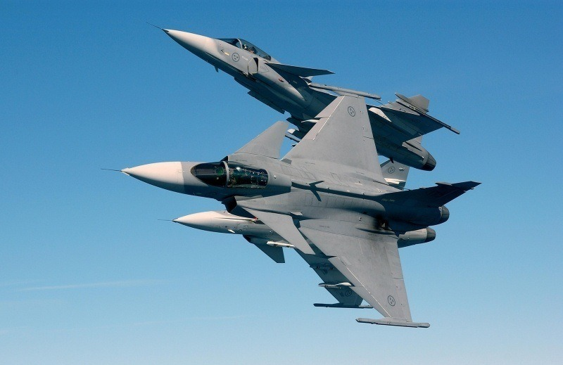 photo avion de chasse plane Gripen NG Sky