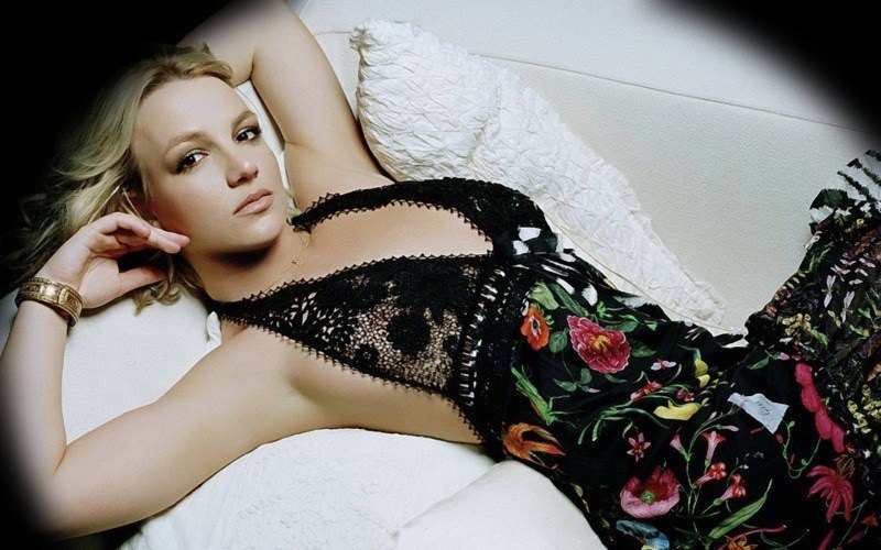 Britney Spears robe photo