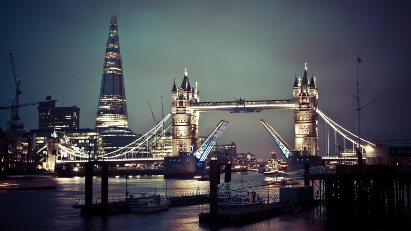 Fond d'écran HD Londres London Tower Bridge et The Shard Tower la nuit wallpaper photo image