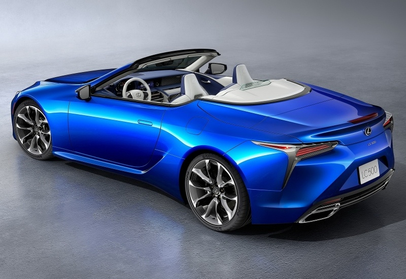 Lexus LC500 automobile décapotable bleu